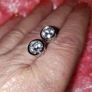 Jewelry - New Dilineum Bezel Set Cut Bella Luce